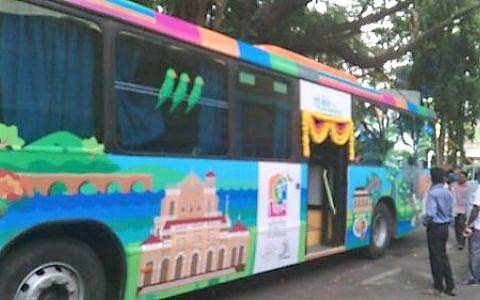bus branding with custom printed vinyl
