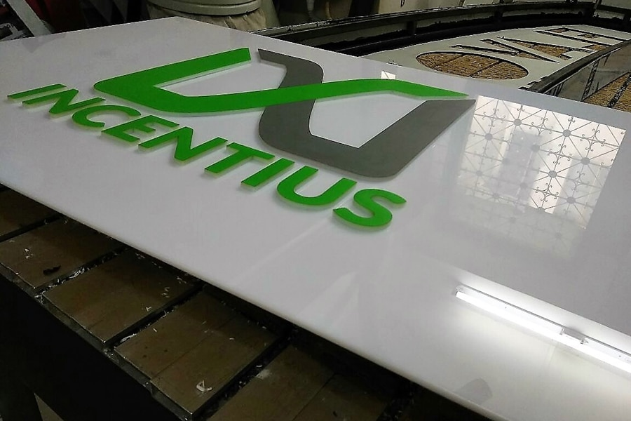 Acrylic name boards to display your company name like a work of art