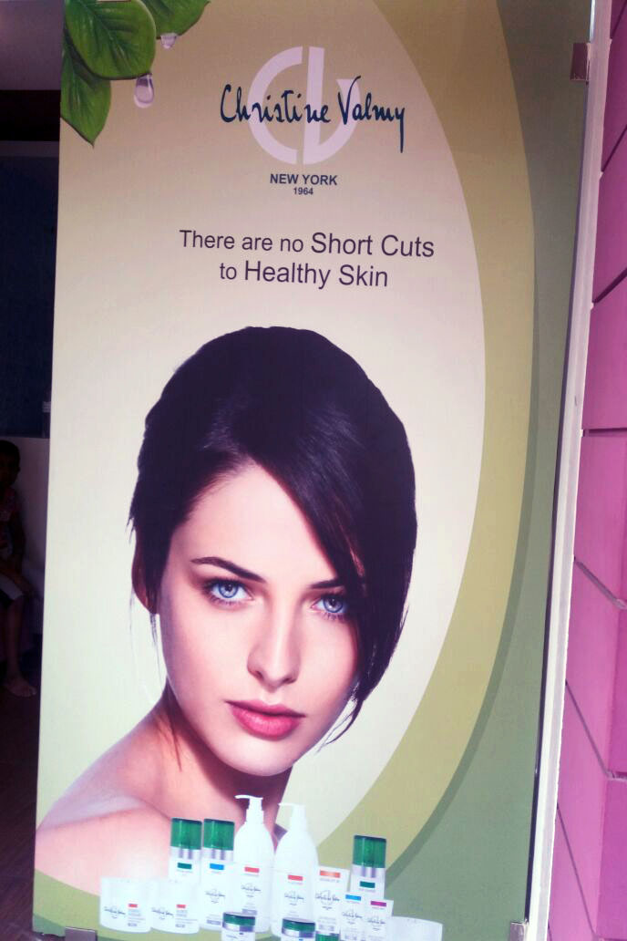 High resolution photo vinyl print is ideal for commercial advertising applications. Image of a model pasted outside a beauty salon